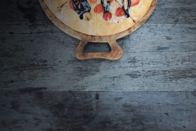 Om köket är så pass stort att en köksö ryms så är det en praktisk och vacker möbel som blir en naturlig träffpunkt då mat lagas och samtal förs. Köksöar finns i olika storlekar, färger och utformningar. De kan köpas direkt från butiken och monteras i hemmet eller platsbyggas efter egna mått och önskemål. Det är vanligt att man väljer att använda den ena delen av köksön som ett barbord där frukost kan intas.